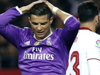 Berita Indoplay - Rekor Kemenangan Madrid Terhenti Usai Di Taklukan Sevila. Kemenangan Madrid terpaksa harus terhenti di angka 40 setelah dikalahkan oleh Sevilla. Namun, pelatih Zinedane Zidane mengaku tetap bangga meskipun mengalami kekalahan 2-1 saat bertandang ke markas Sevilla, Senin (15/1/2017) dini hari.
