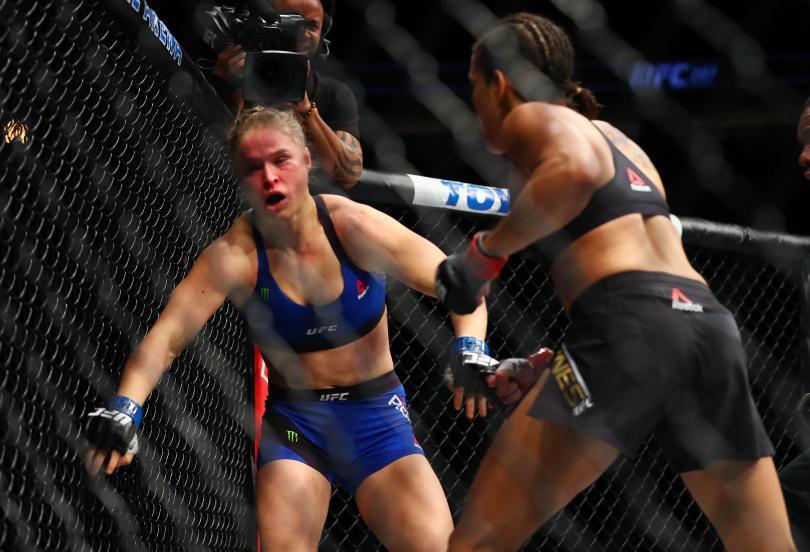 Amanda Nunes Sukses Memukul TKO Ronda Rousey Dalam Waktu 48 Detik