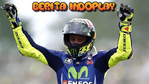 Agen Bola Online-Valentino Rossi Menjuarai MotoGP Belanda. Ia merasa sangat bahagia setelah berhasil menjuarai MotoGP Belanda. Hasil positif ini otomatis mengakhiri penantian panjang Rossi akan kemenangan setelah setahun ia tidak meraih kemenangan.