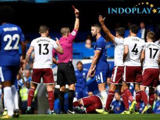 Agen Bola Online - Chelsea Kalah 2 - 3 Dari Burnley. Juara bertahan Liga Inggris Premier di taklukkan saat menjamu Burnley di Stadion Stamford Bridge dalam laga perdana Premier League 17/18 pada Sabtu (12/8).