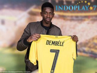 Agen Bola Online - Dortmund Batal Lepas Dembele Ke Barcelona. Borussia Dortmund telah memberi penjelasan resmi tentang situasi yang kini terjadi pada Ousmane Dembele. Dortmund memang membenarkan ada negosiasi dengan Barcelona, namun hingga saat ini belum ada kesepakatan yang terjadi antara kedua klub tersebut.