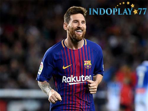 Agen Bola Online- Lionel Messi Menertawakan Ambisi Cristiano Ronaldo.Beberapa pemain Barcelona termasuk Lionel Messi menertawakan kabar yang mengatakan bahwa Cristiano Ronaldo melakukan taruhan dengan rekan-rekannya di Real Madrid.