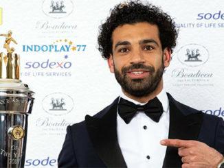 Mohamed Salah Raih Player Of The Year 2018. Mohamed Salah baru saja dinobatkan sebagai pemain terbaik atau yang biasa disebut Player Of The Year musim 2018, Senin (23/04) dini hari.