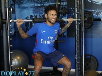 Neymar Sudah Kembali Berlatih Di Ooredoo Training Center. Neymar di kabarkan telah siap kembali bermain usai mengalami cedera pada beberapa bulan lalu. Ia terlihat sudah kembali berlatih di tempat pelatihan untuk mengembalikan kebugarannya sebelum kembali turun kelapangan.